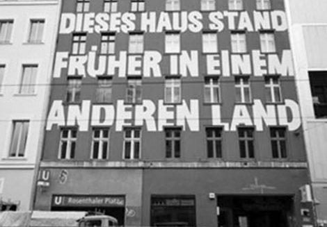 Brunnenstraße - Dieses Haus stand früher in einem anderen Land