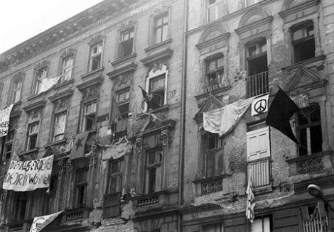 Besetzte Häuser in der Mainzer Straße 6. Juni 1990